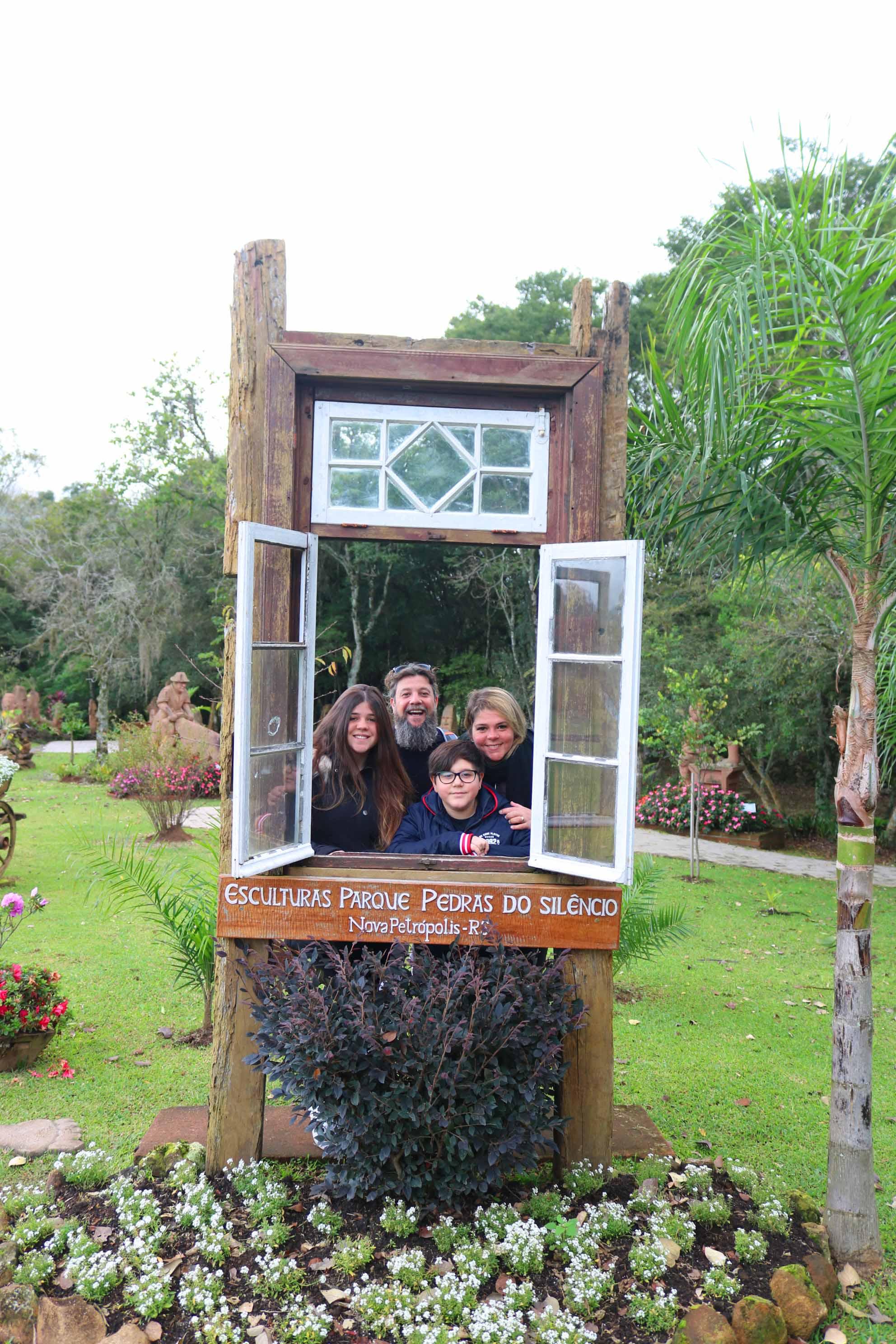 O parque das pedras e uma atracao incrivel para as familias - Luciano Palumbo TurismoEtc