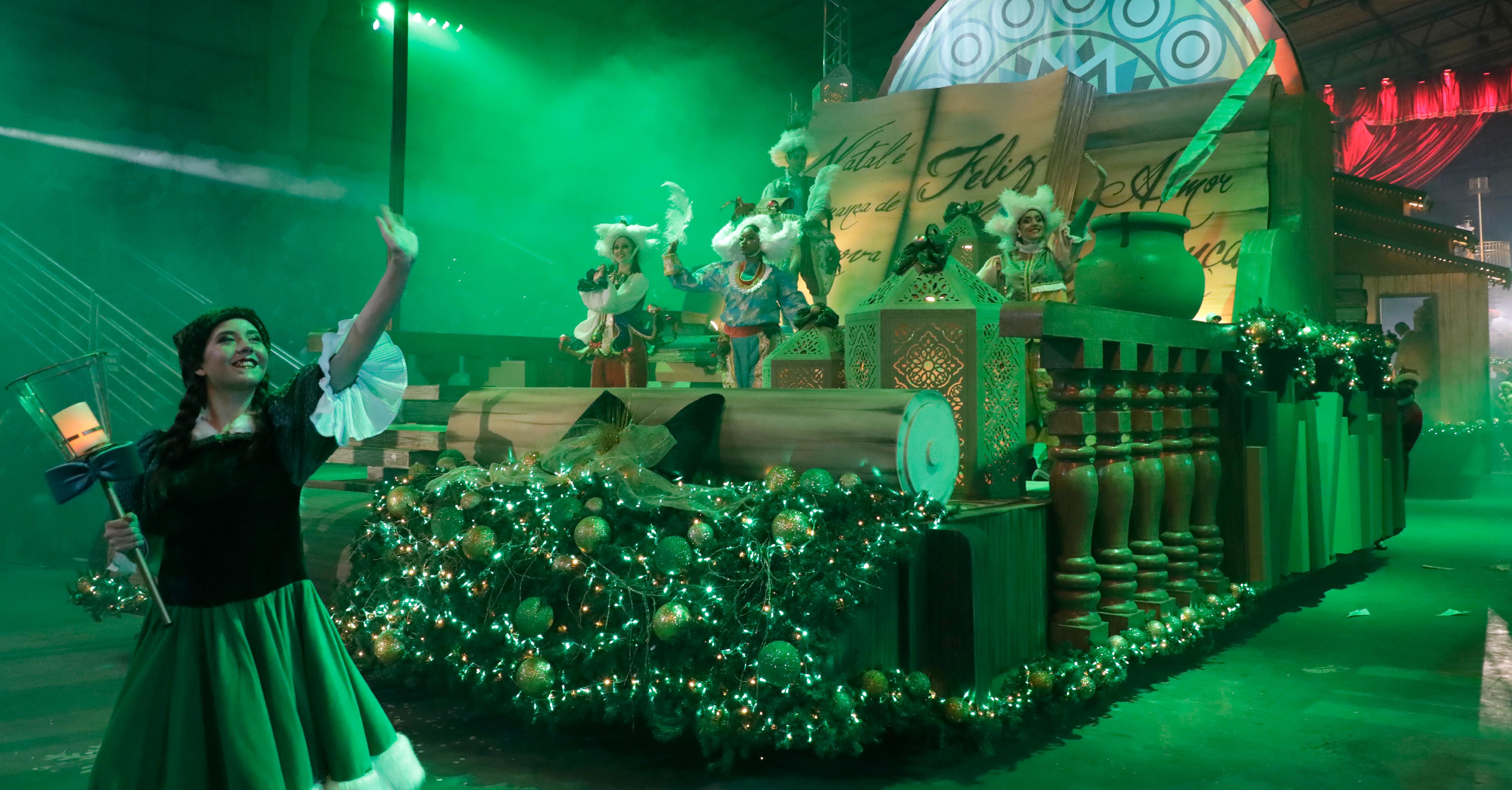 Encantos do Grande Desfile de Natal - Foto Cleiton Thiele Serra Press
